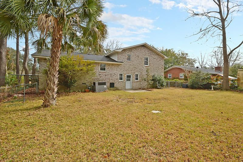 21  Huguenot Avenue Charleston, SC 29407