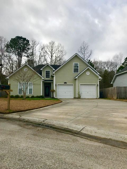 8918 High Cotton Court North Charleston, SC 29406
