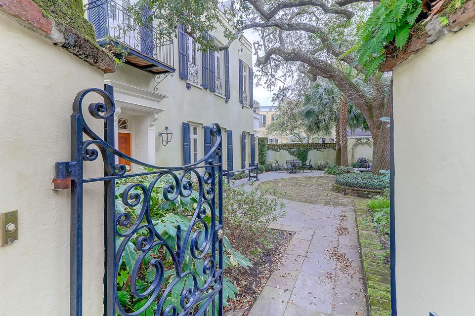 42 Meeting Street Charleston, SC 29401
