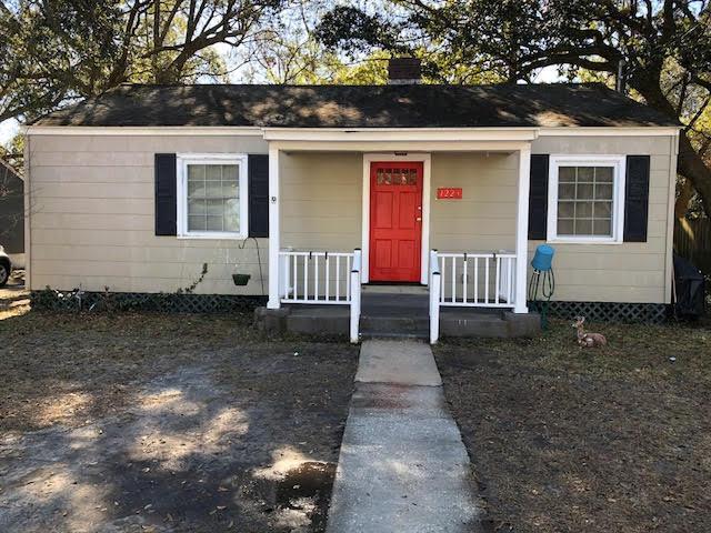 1223  Burke Street North Charleston, SC 29410