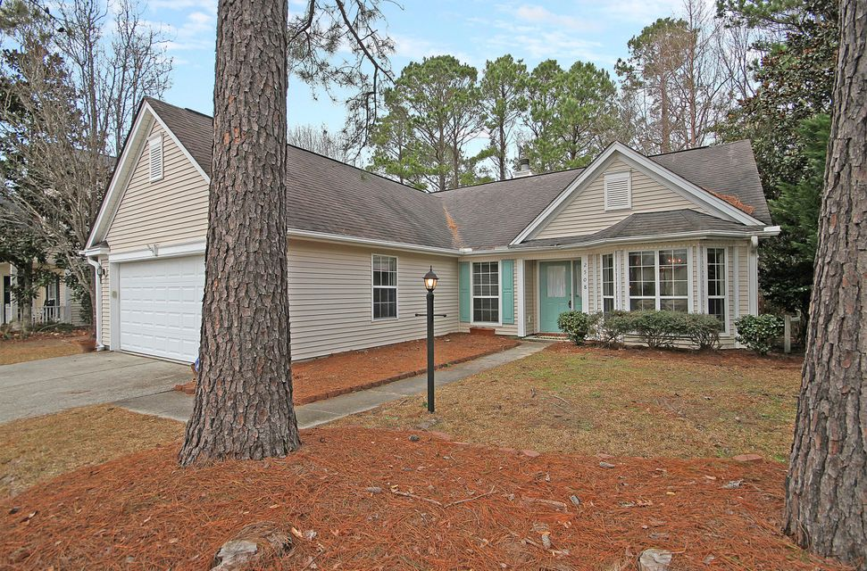 2508  Palmetto Hall Boulevard Mount Pleasant, SC 29466