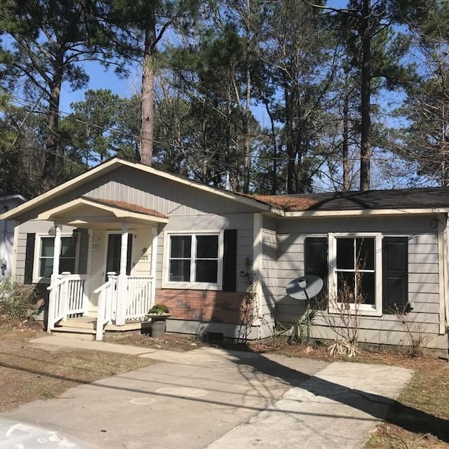 521 E Richardson Avenue Summerville, SC 29485