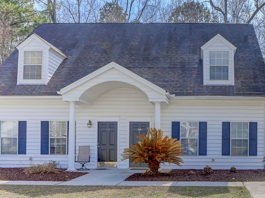 3316  Queensgate Way Mount Pleasant, SC 29466