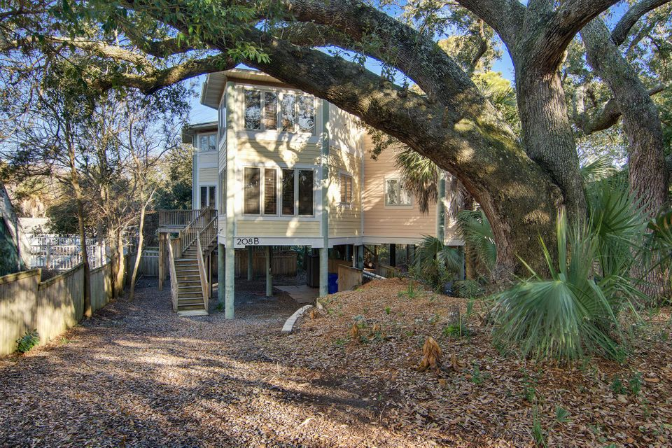 208 W Cooper Avenue Folly Beach, SC 29439