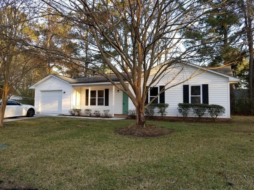 93  Four Iron Drive Summerville, SC 29483