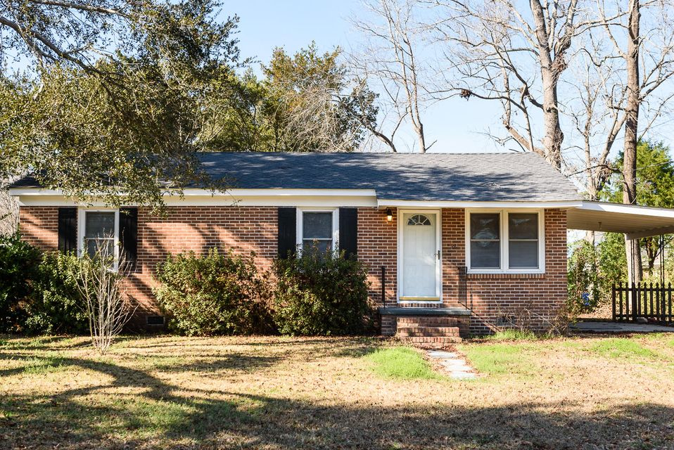 1404  Iroquois Street North Charleston, SC 29405