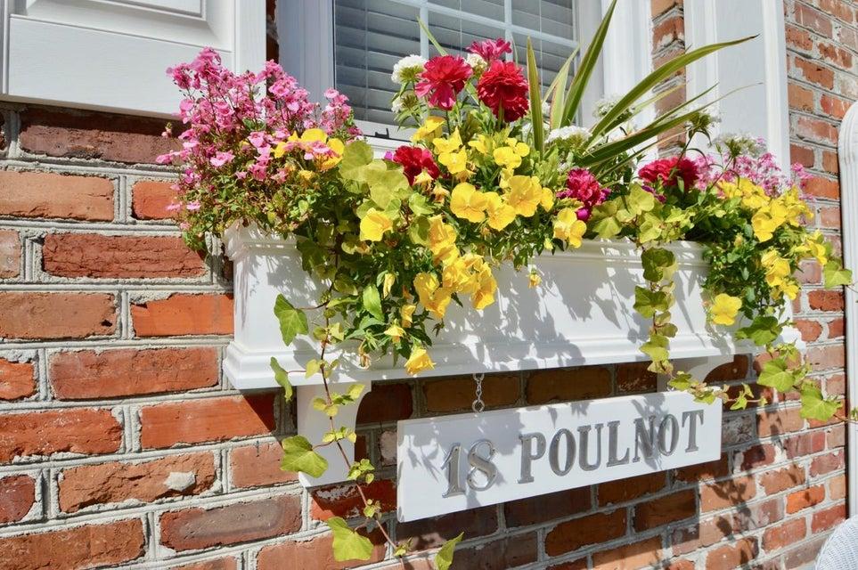18  Poulnot Lane Charleston, SC 29401