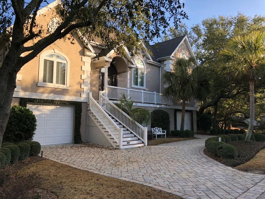 28 W Beachwood Isle Of Palms, SC 29451