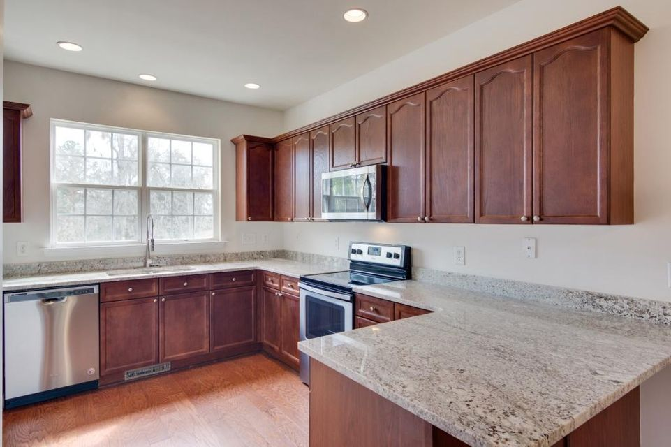 4618 N Palm View Circle North Charleston, SC 29418