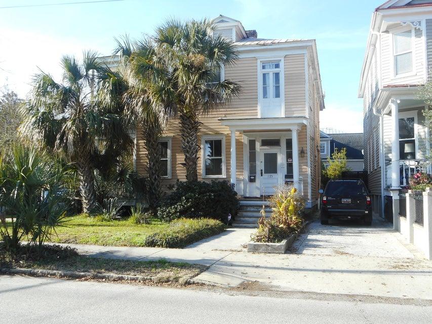 125  Ashley Charleston, SC 29401
