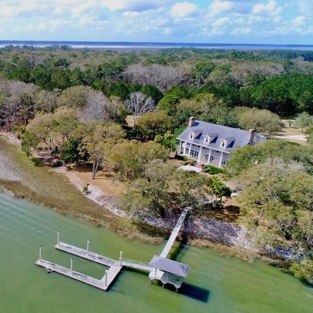 6755  Wilson Point Road Wadmalaw Island, SC 29487