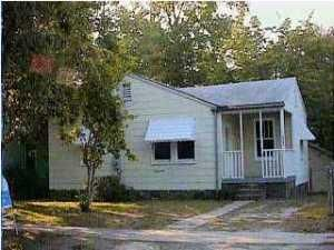 2388  Cambridge Avenue North Charleston, SC 29405