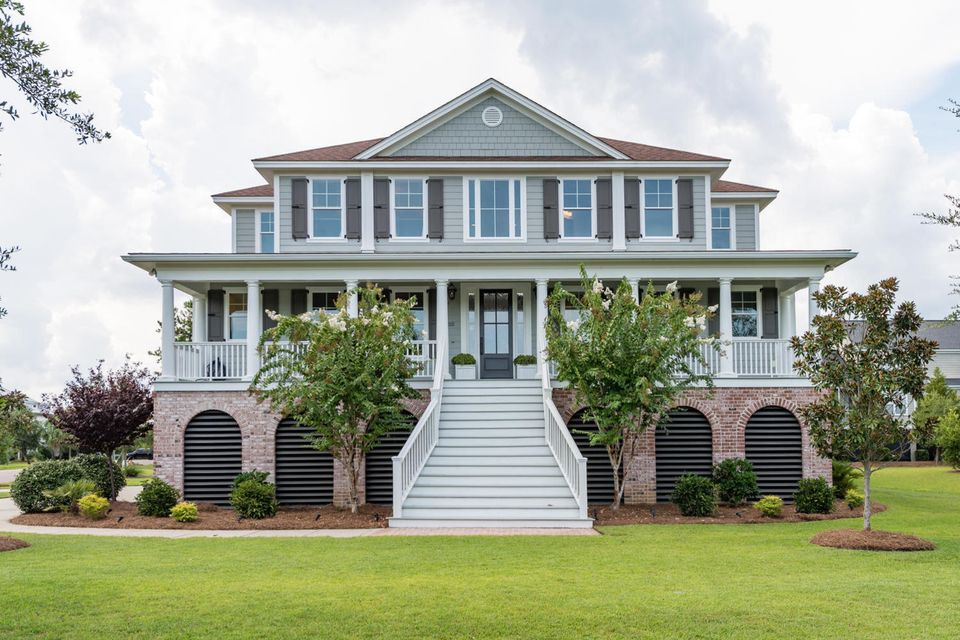 2121  Breezy Point Drive Mount Pleasant, SC 29466
