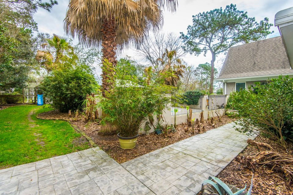 1808 Chelwood Circle Charleston, SC 29407