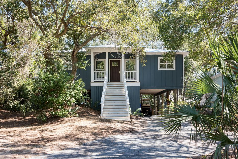 17  Sandcrab Court Isle Of Palms, SC 29451