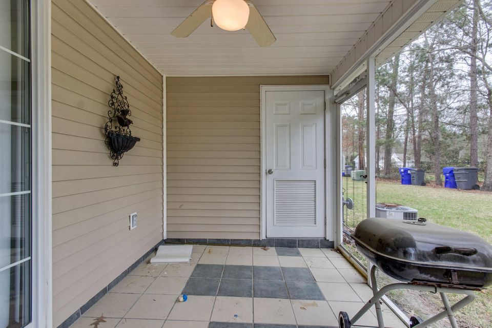 8105 Shadow Oak Drive North Charleston, SC 29406
