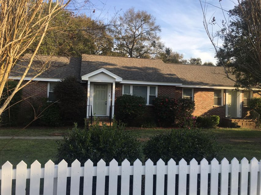 621  Ellis Street Mount Pleasant, SC 29464