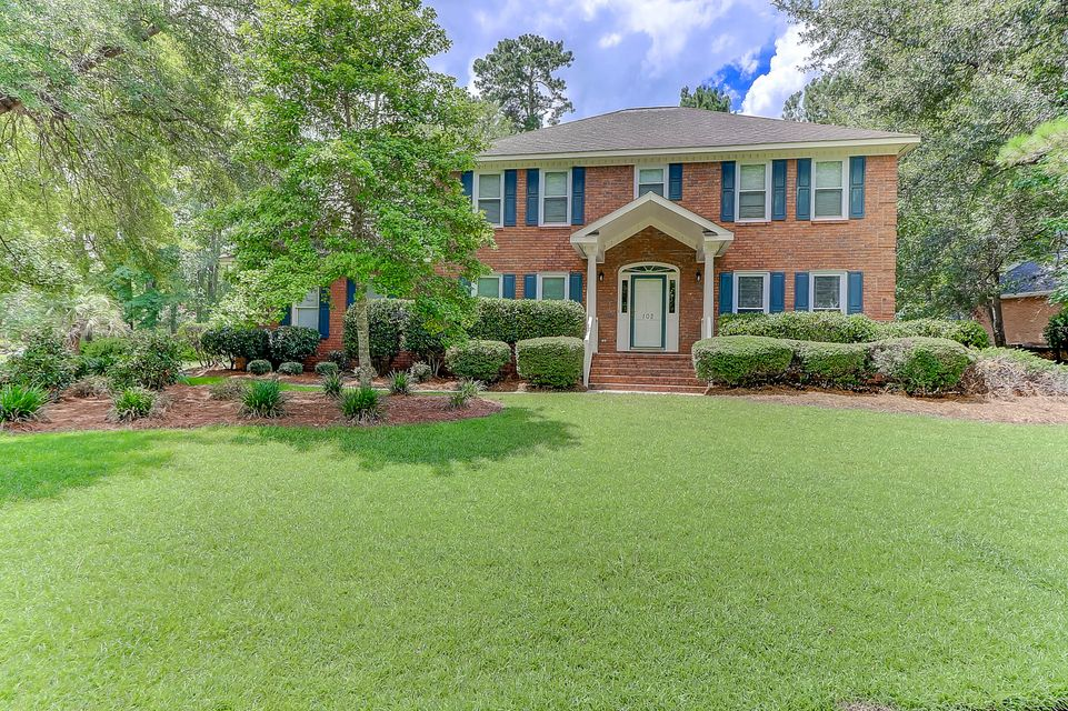 102  Leighton Court Summerville, SC 29485