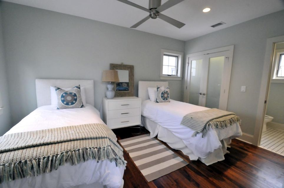 19  Brewster Court Charleston, SC 29403