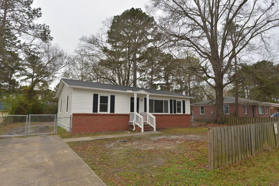 61 Stratton Drive North Charleston, SC 29420