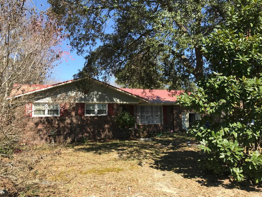 2792  Dantzler Drive North Charleston, SC 29406