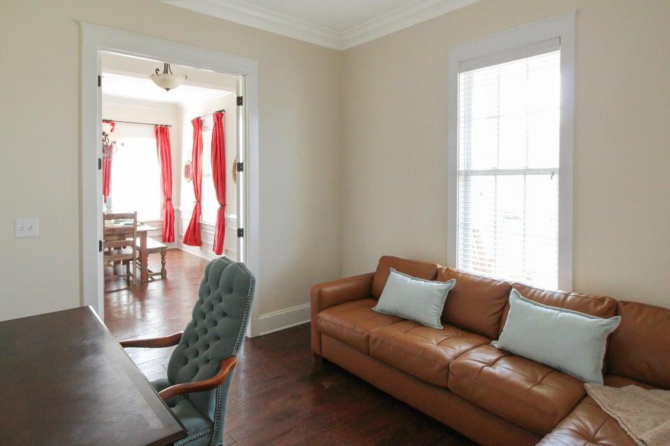 1702 Sailmaker Street Charleston, SC 29492