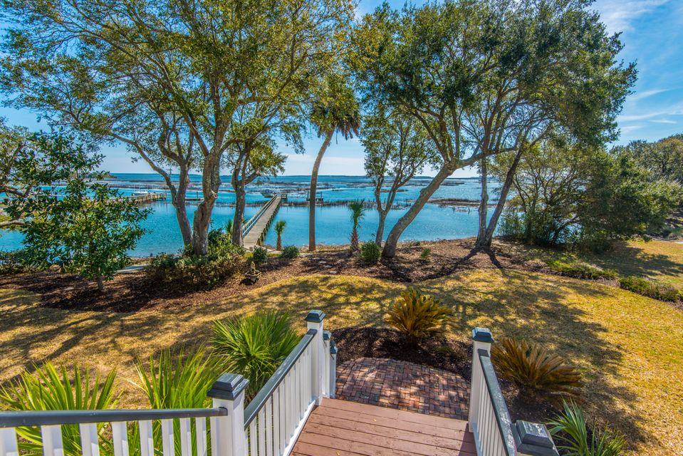 5043 Barrier Island Court Mount Pleasant, SC 29466