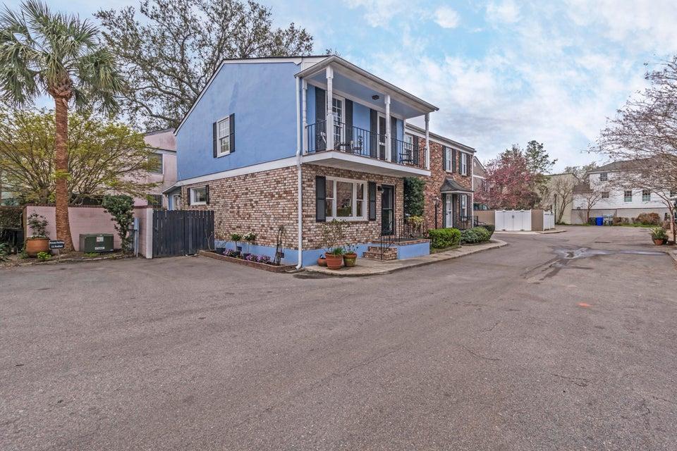 9 Poulnot Lane Charleston, SC 29401