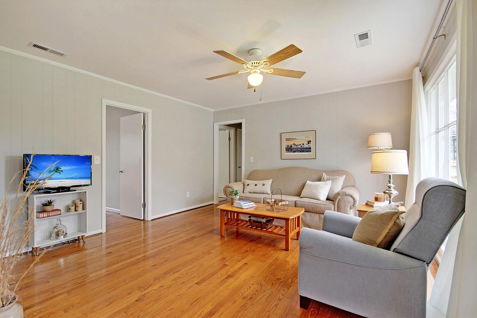 813 Sloop Street Charleston, SC 29412