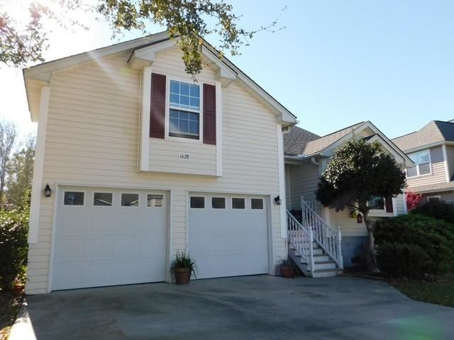 1628  Ocean Neighbors Boulevard Charleston, SC 29412