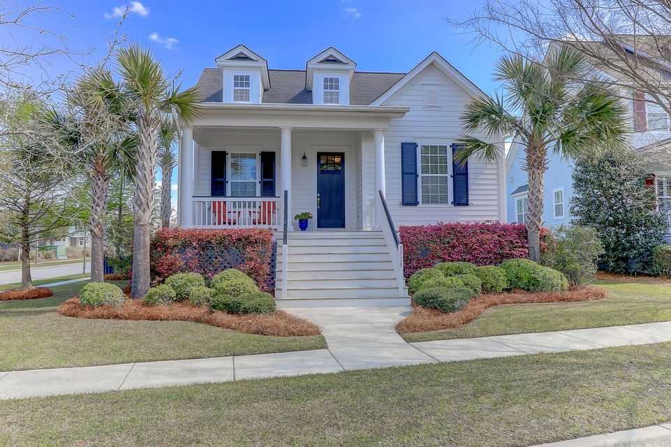 1718 Sailmaker Street Charleston, SC 29492