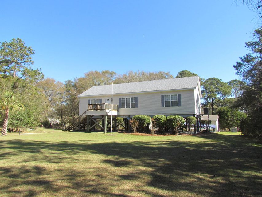 520  Fishing Creek Drive Edisto Island, SC 29438