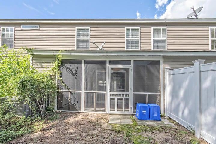 1305 Island Club Drive Charleston, SC 29492