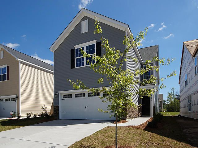 8901  Skipping Rock Lane Summerville, SC 29485
