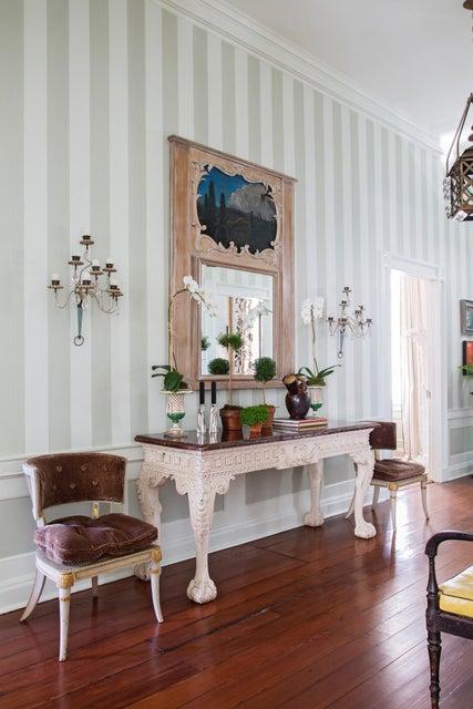 19 Gadsden Street Charleston, SC 29401