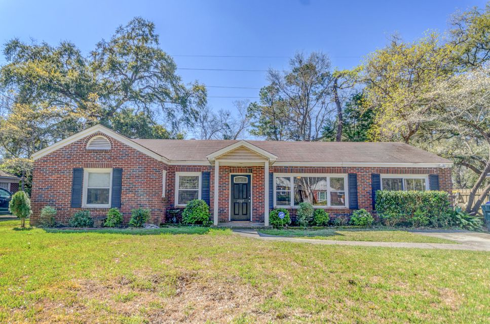 1327 Linden Circle Charleston, SC 29407