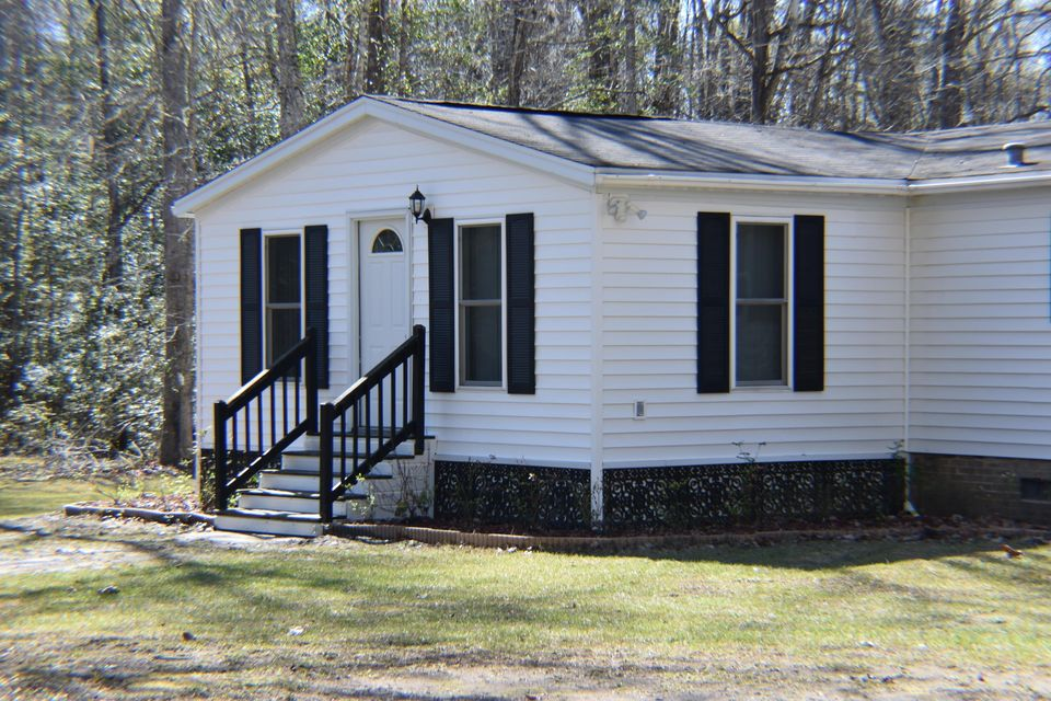 320 Rambler Way Cottageville, SC 29435