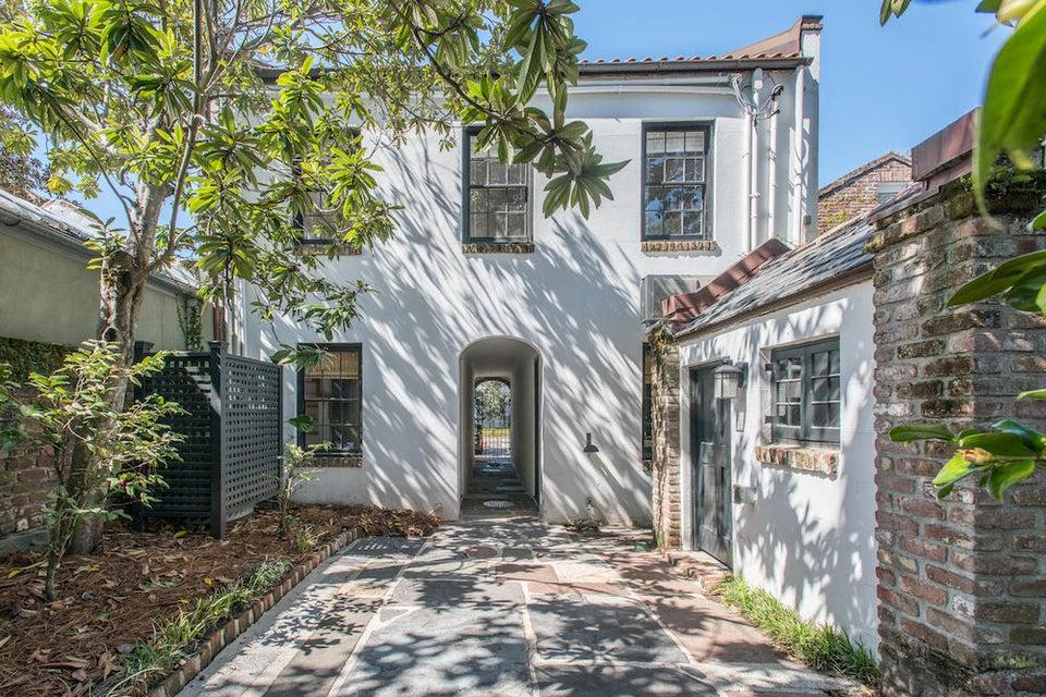 12 Bedons Alley Charleston, SC 29401