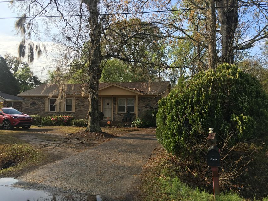 2925 Bolton Road Charleston, SC 29414