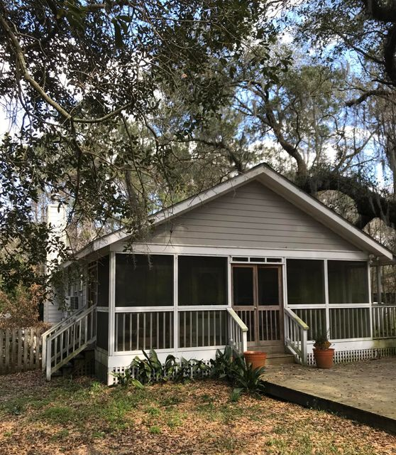1436 Winton Road Mount Pleasant, SC 29464
