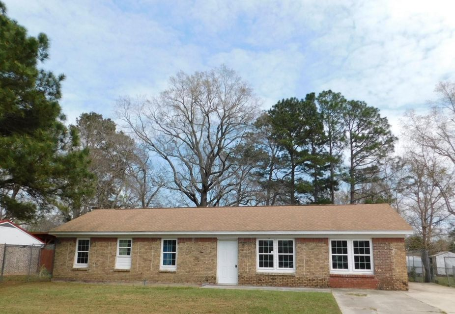8734  Bucknell Drive North Charleston, SC 29406