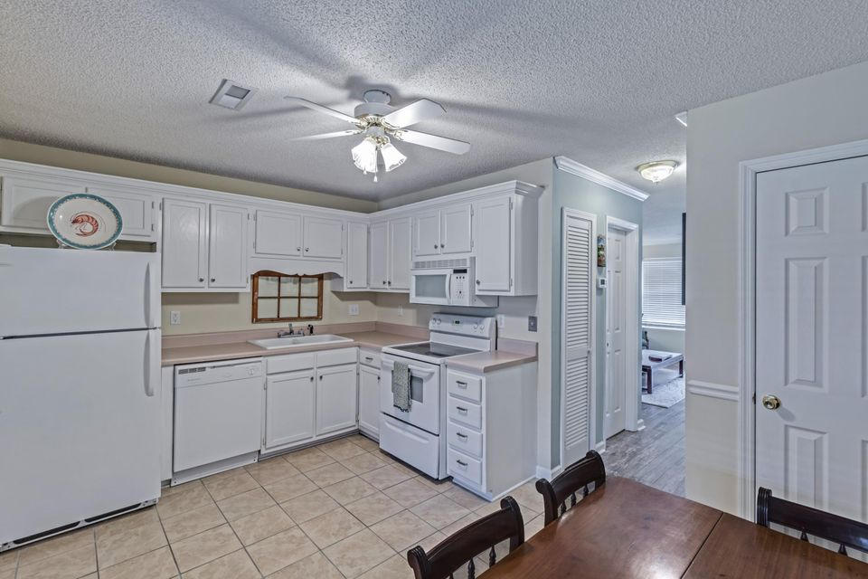 6256  Lucille Drive North Charleston, SC 29406