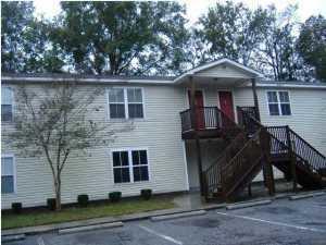 6951 S Kenwood Drive North Charleston, SC 29406