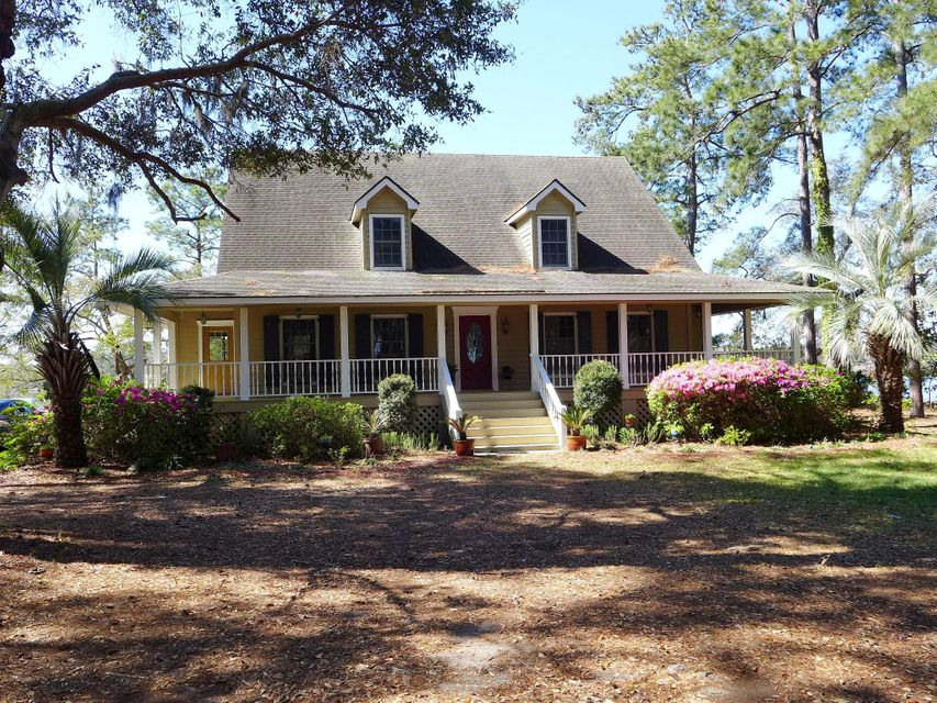8727 Middleton Point Lane Edisto Island, SC 29438