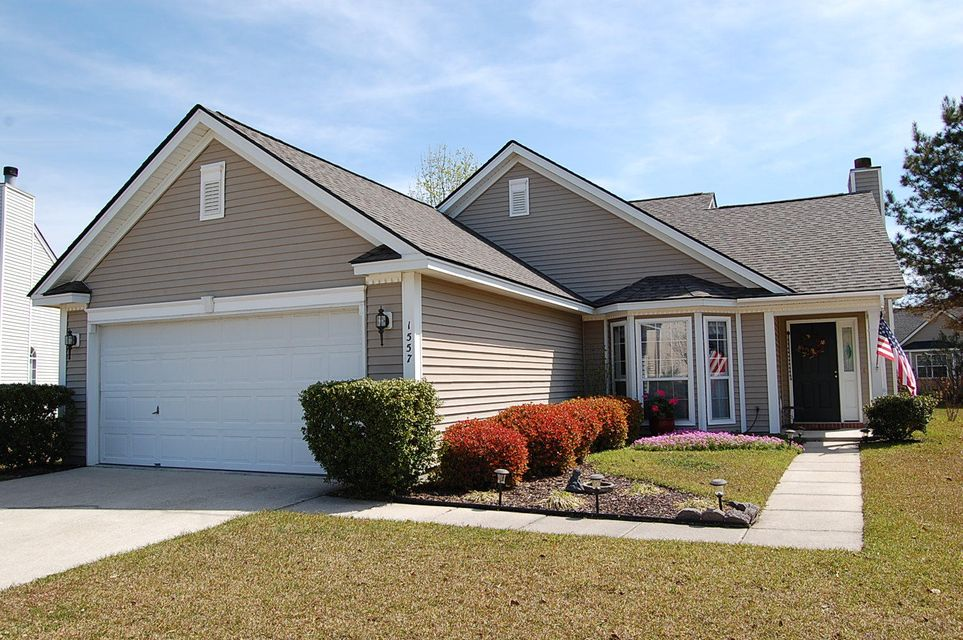 1557  Sweet Myrtle Circle Mount Pleasant, SC 29466