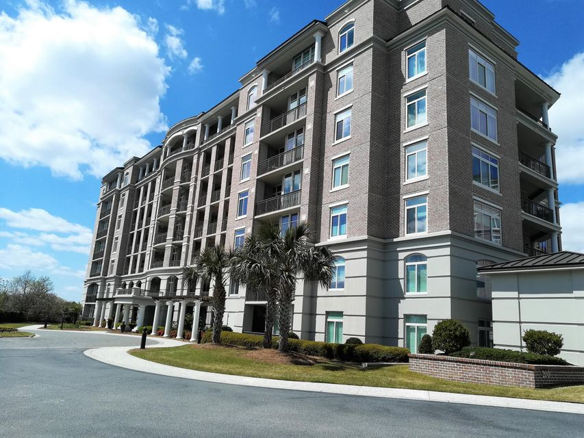 241 S Plaza Court Mount Pleasant, SC 29464