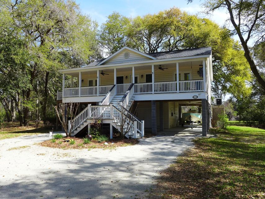 8235 Seaside Oaks Lane Edisto Island, SC 29438