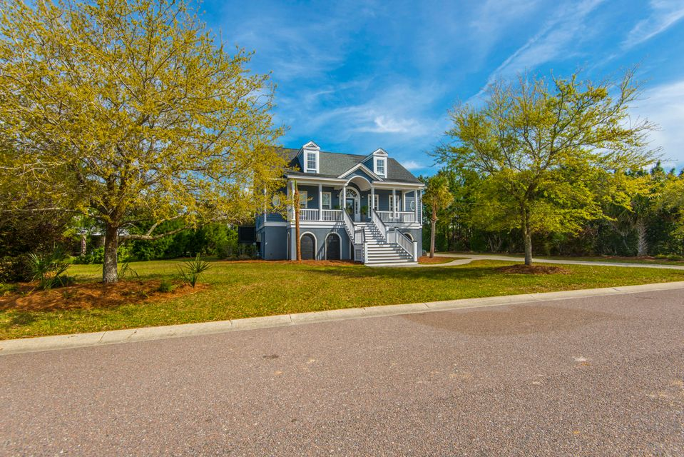 2113  Breezy Point Drive Mount Pleasant, SC 29466