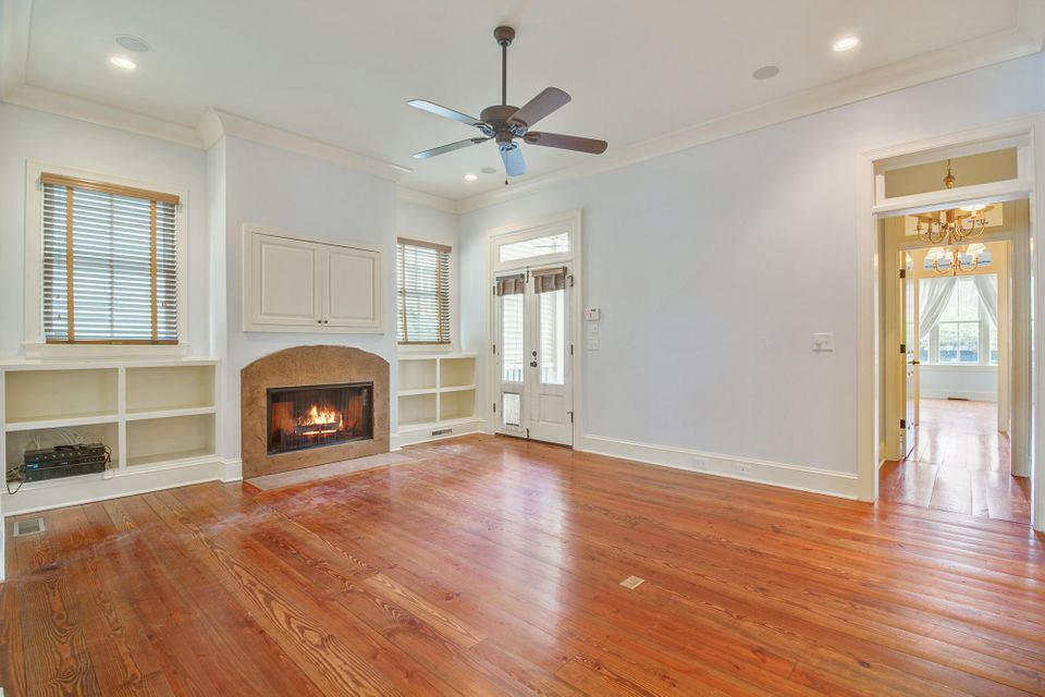150  Ionsborough Street Mount Pleasant, SC 29464