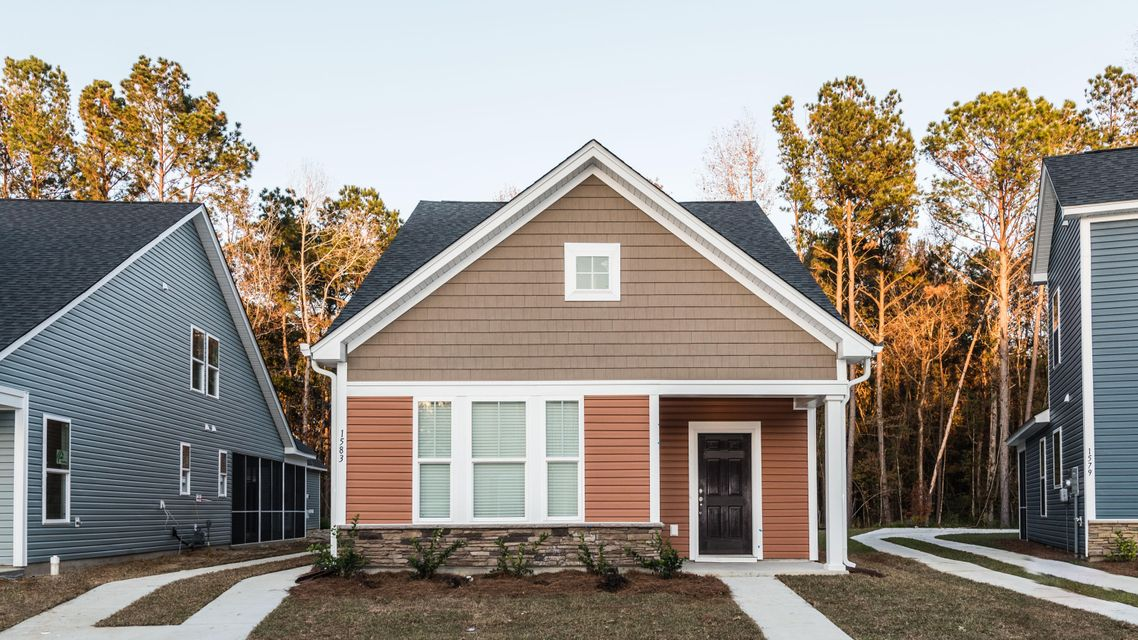 153  Rowans Creek Drive Charleston, SC 29492